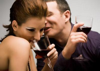 13 Basic tips on how to flirt with woman